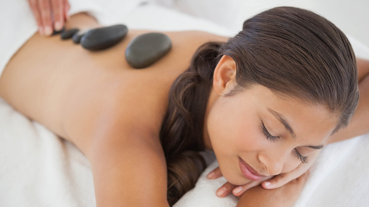 Hot Stone Massage in Bern